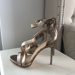 Shoes - Imagine Vince camuto heels 8.5